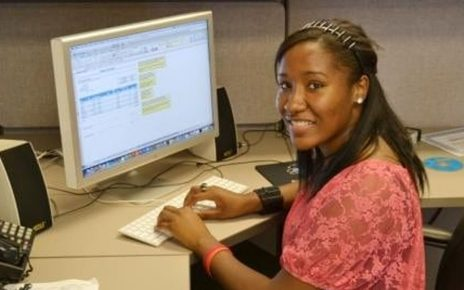 Rakeyia Collins: Founder of Commit to Present (C2P)
