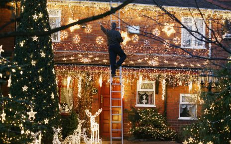 8 Safety Concerns for Outdoor Lighting in Christmas