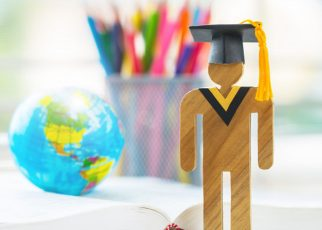How to Land Scholarship for a Masters Degree in the US