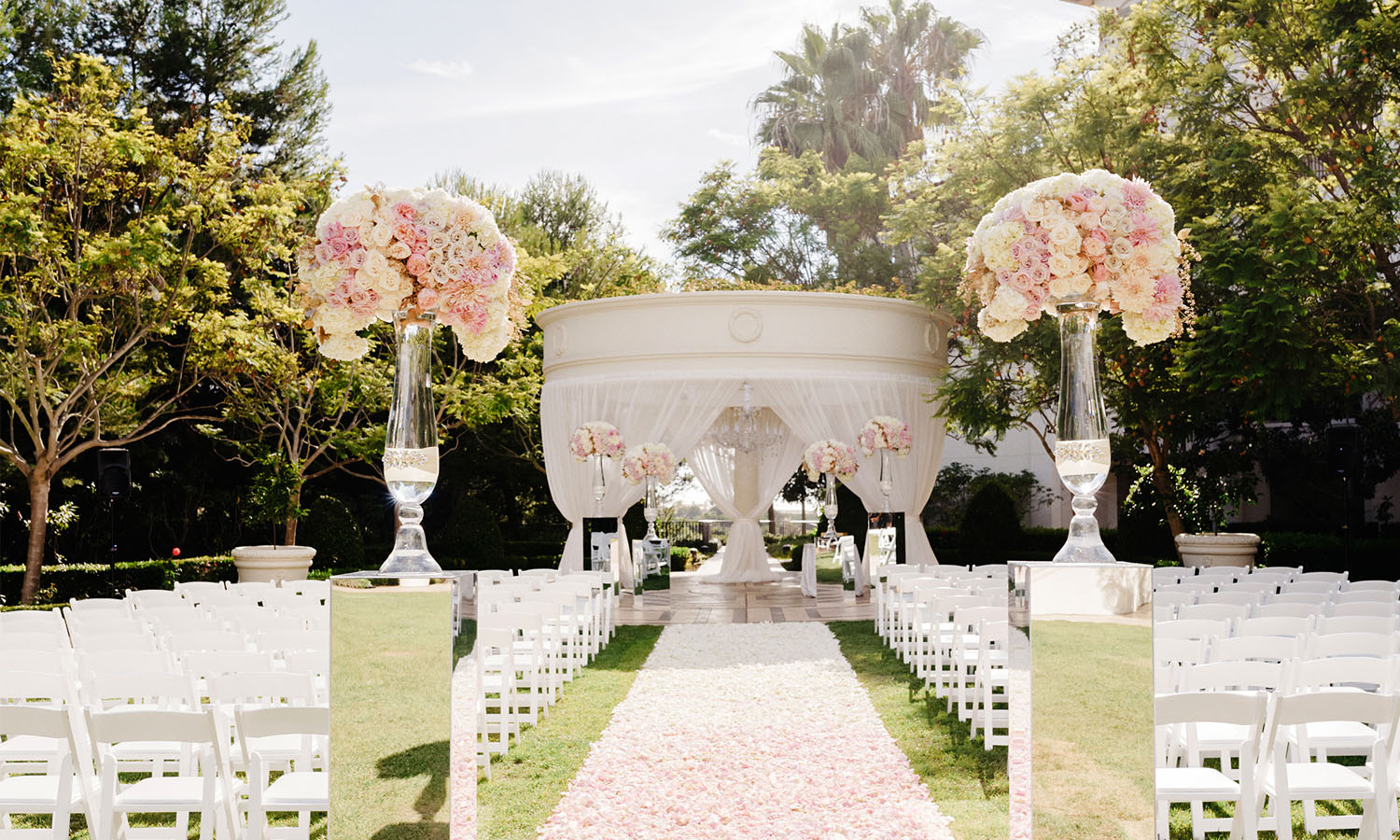 Here's How You Can Have the Best November Wedding