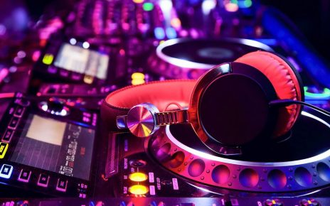 5 DJing Do's and Don'ts in Keeping Your DJ Career on Track