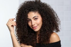 How To Take care Of Frizzy Hair In Winter Season
